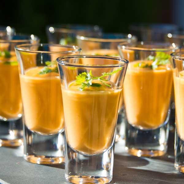 chupitos de gazpacho de aperitivo