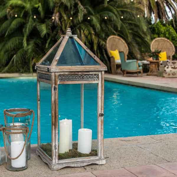 evento con piscina decorada