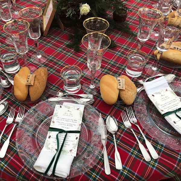 menú en mesa de navidad