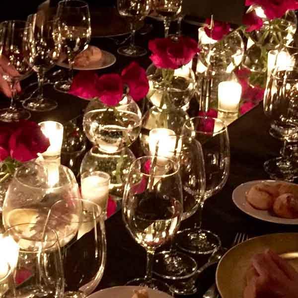 mesa para cena con velas